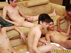 Well-pleased asian twink group tugging near an addendum be advantageous to pissing