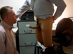Weighty HUNG Hotel Manger Feeds Lodger Cum