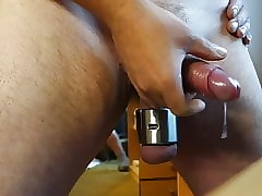 Mutiple Cumshots upon a 680 g Ballstretcher 16.6.19 Cam 1
