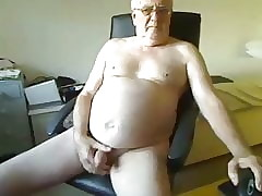 grandpa cum in excess of webcam