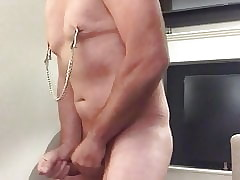 Following S. - Handjob close by clamps